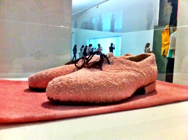 MIT HANDKUSS_Reflecting Fashion_Schuhe
