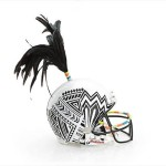 Bloomindales_Super_Bowl_Fashion_Helmet_Quelle_media.bloomindales.com_12
