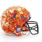 Bloomindales_Super_Bowl_Fashion_Helmet_Quelle_media.bloomindales.com_14