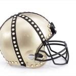 Bloomindales_Super_Bowl_Fashion_Helmet_Quelle_media.bloomindales.com_15