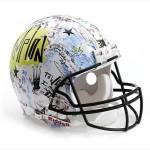 Bloomindales_Super_Bowl_Fashion_Helmet_Quelle_media.bloomindales.com_3