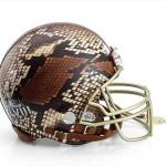 Bloomindales_Super_Bowl_Fashion_Helmet_Quelle_media.bloomindales.com_44
