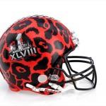 Bloomindales_Super_Bowl_Fashion_Helmet_Quelle_media.bloomindales.com_7