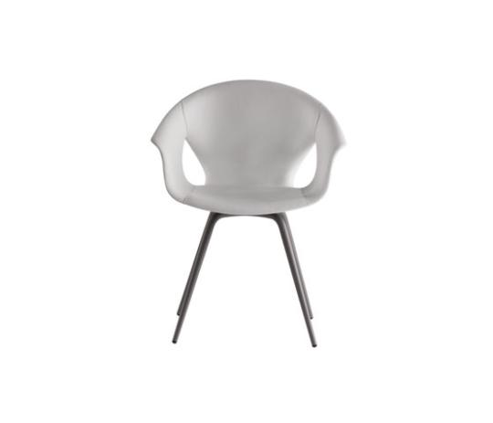 Ginger_Ale_Eames_Chair_Pontrona_Frau_Wien