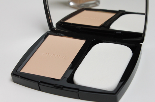 Vitalumière Compact Douceur_Foundation_Chanel_Make_Up