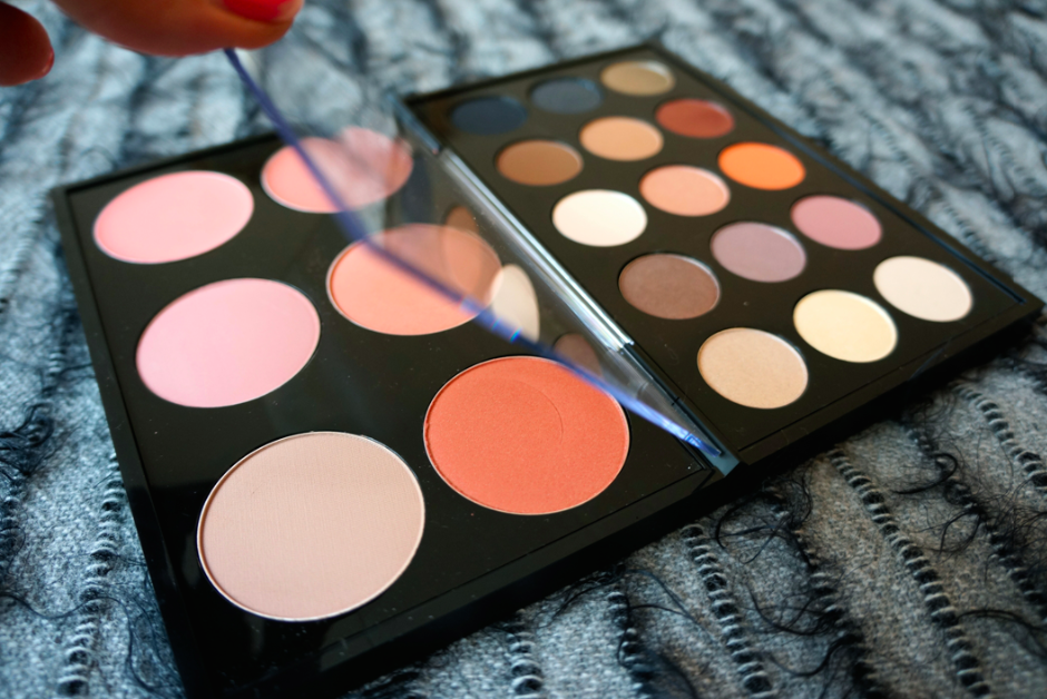 MAC_Cosmetics_Pro_Palette_Make_Up