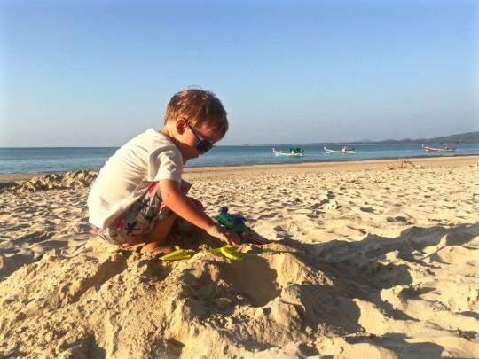 Travelblog_Travel_Thailand_Khao Lak_Mother_Son_Lonelyplanet_Blogger