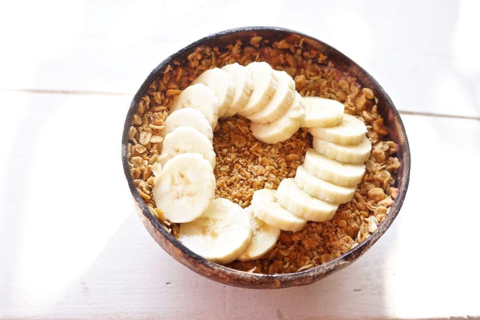 Bali_Food_Acai Bowl_Mit Handkuss