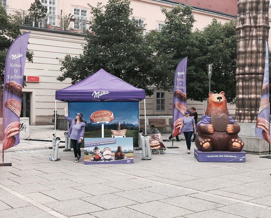 Milka_Roadshow_Wien_mit Handkuss