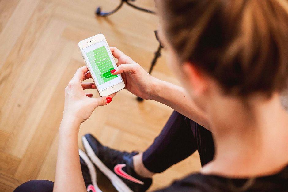 fitness im alltag 4 sport apps im test mit handkuss. Black Bedroom Furniture Sets. Home Design Ideas